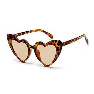 Accessories - NWT Rockabilly Tortoise Heart Shaped Sun Glasses